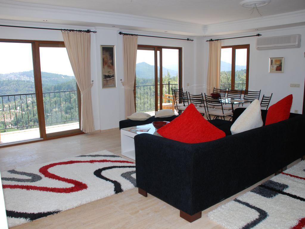 Facilities at Villa Suead Turkey the lounge reception room